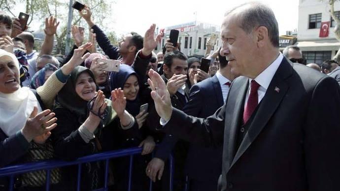 El triunfo del Sí en Turquía influirá sobre la Unión Europea y la OTAN