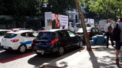 Imagen de las camionetas de Hazte Oír en la calle de Génova de Madrid.