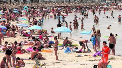 Turistas en Baleares (imagen de referencia)