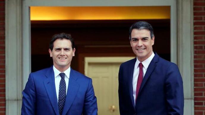 Rivera (i) y Sánchez