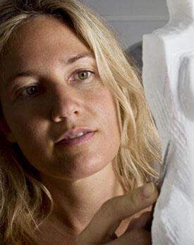 Constanza Dozo, escultora argentina del mármol, próxima visita a España