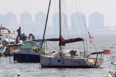 Mueren el instructor y su alumna tras estrellarse un avión de enseñanza del Ejército del Aire en el Mar Menor