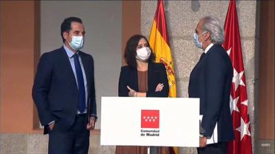 La presidenta de la Comunidad de Madrid, Isabel Díaz Ayuso, comparece en rueda de prensa para detallar las nuevas medidas en la región ante el COVID-19 (captura de pantalla)