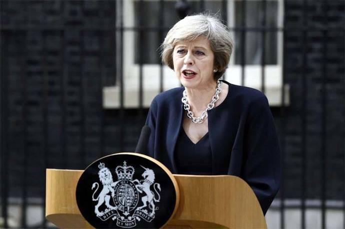 Primera ministra británica llama a elecciones anticipadas