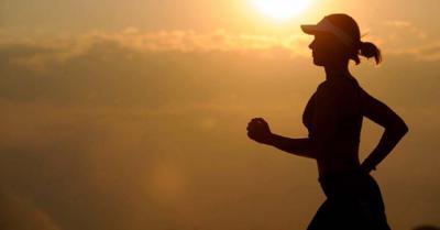 Zapatillas running Hombre: ropa e hidratación, los básicos del deporte