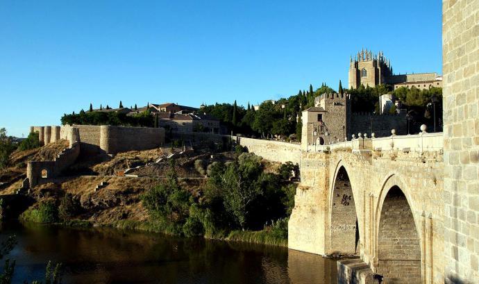 Conoce las posibilidades de viajar en autobús de Madrid a Toledo