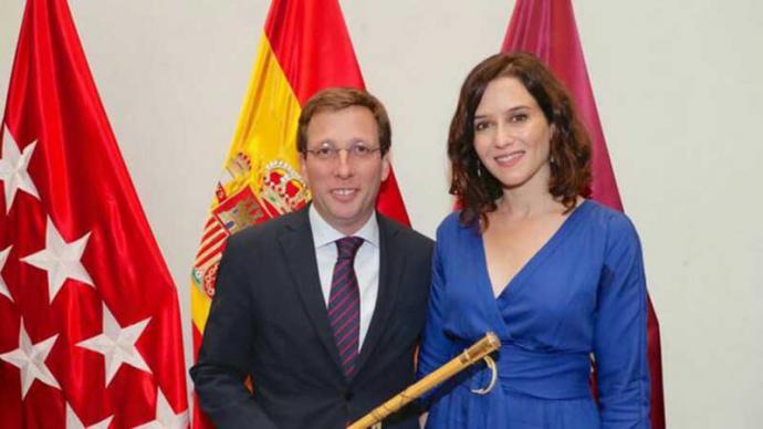 El alcalde de Madrid Martínez Almeyda t la presidenta de la Comunidad, Isabel Díaz Ayuso