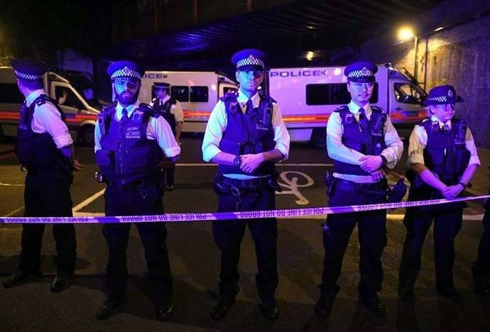 Al menos 1 muerto y 10 heridos por el atropello de una furgoneta en Londres