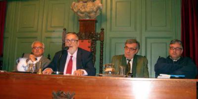 De izquierda a derecha: Jorge Urrutia, Juan Van-Halen, Emilio Porta y Juan Manuel de Prada - (Fotografía: María José López de Arenosa)
