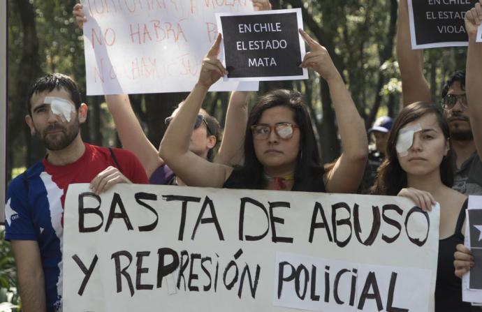 Piñera condena abusos policiales en cuatro semanas de estallido social en Chile