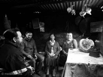 De izquierda a derecha: Alejandro Mauricio Tapia, Berta Tapia Plaza y Olfa del Rosario Tapia Plaza.