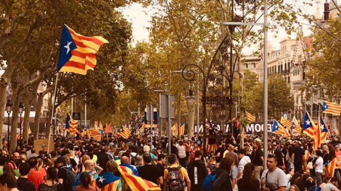"""Las «Marchas por la libertad"""" congregan a miles de catalanes"""