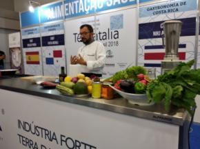 El chef Carlos Parra cocinó en Brasil