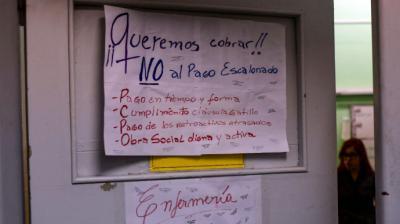 Huelgas y escuelas cerradas, el sur petrolero argentino estrangulado por la crisis
