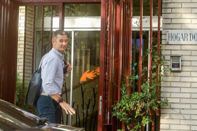 Urdangarin llega al hogar religioso de Pozuelo para realizar el voluntariado