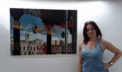Inaugurada la exposición de Helen Fernández