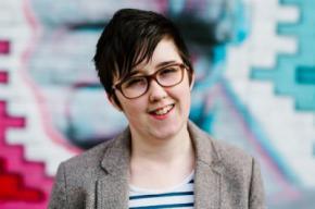 La policía interroga a dos jóvenes por el asesinato en Derry de una reportera