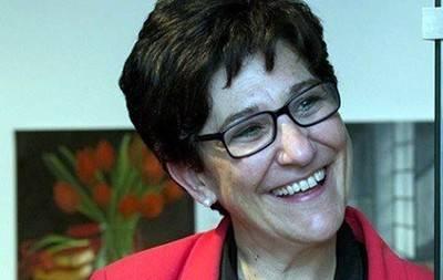 Susana Pérez Quislant, alcaldesa, presenta el Estudio Abierto Pozuelo