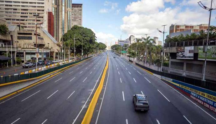Este lunes entró en vigencia el nuevo bolívar soberano y las calles de distintas ciudades de Venezuela amanecieron con poca afluencia de vehículos y escasa presencia de ciudadanos