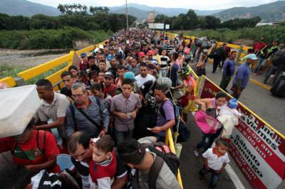 ACNUR ofrece más ayuda a Latinoamérica ante creciente flujo de refugiados