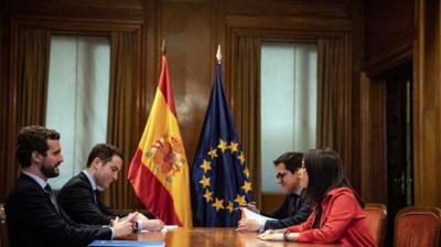 Ciudadanos claudica ante el PP: asume el 'portazo' de Feijóo en Galicia mientras celebra ir en coalición en Euskadi