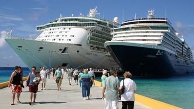 El turismo de cruceros viene siendo cuestionado de manera creciente...