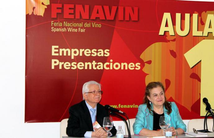 Ponencia literaria de José López Martínez en la Feria Nacional del Vino