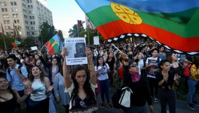 Chile: Palacio de la Moneda cierra sus puertas ante protestas por muerte de mapuche