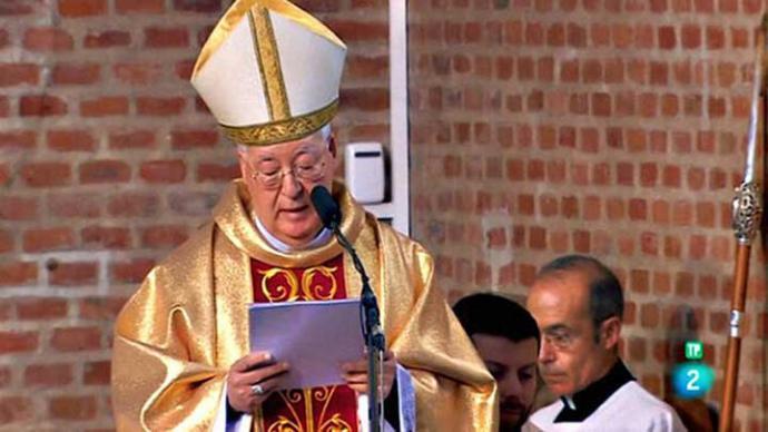 El obispo ultraconservador Reig Pla quiere exportar el modelo de los monjes del Valle de los Caídos al cementerio de Paracuellos