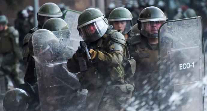 Policía de Chile suspende uso de perdigones como herramienta antidisturbios