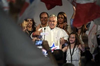 Sebastián Piñera disputará la segunda vuelta  el candidato del oficialismo, el periodista Alejandro Guillier