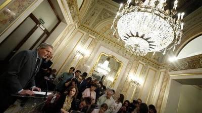 El portavoz  del gobierno,Íñigo Méndez de Vigo en una rueda de prensa