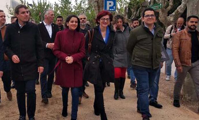 Arrimadas encara el final de campaña en el pueblo de Dolors Bassa: 'Estoy salivando de las cosas que podremos hacer si gobernamos'