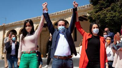 Inés Arrimadas con Edmundo Bal y Begoña Villacís en la apertura de campaña, en la madrileña plaza de ÓperaPedro Ruiz