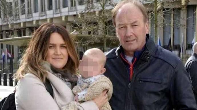 Paul Kenyon, inglés de 62 años y dueño de una fábrica, cometió el error cuando organizaba un viaje familiar a Orlando, Estados Unidos