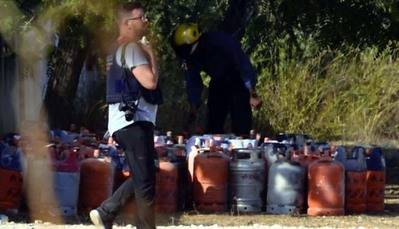 Los terroristas habían acumulado en su escondite más de 100 bombonas de gas.