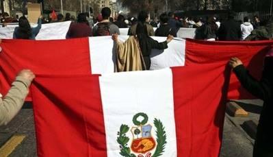 Peruanos protestan en Chile a horas de que el Gobierno presente ley migratoria