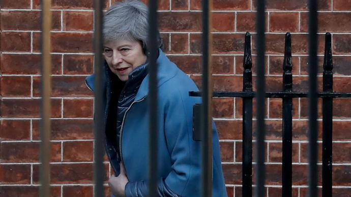 May regresa a Bruselas para lograr cambios en acuerdo del Brexit
