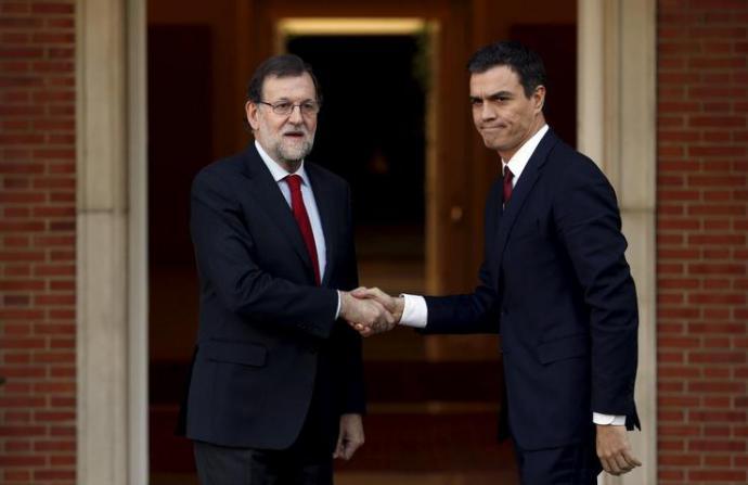 Rajoy (i) y Sánchez en una imagen de archivo