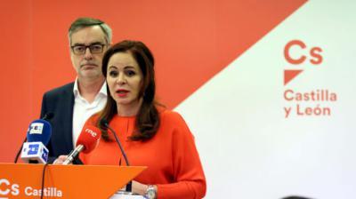 Silvia Clemente con José Manuel Villegas en la sede de Ciudadanos