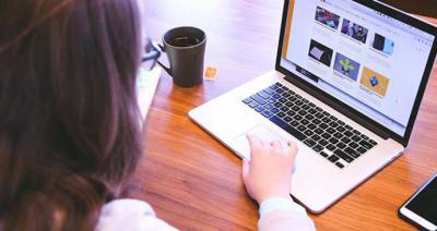 Navegar por Internet, el uso de las redes sociales y chatear es uno de los pasatiempos favoritos