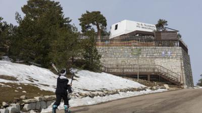 Acceso a la pista Escaparate de la estación de esquí de Navacerrada en Madrid (España),Rafael Basante