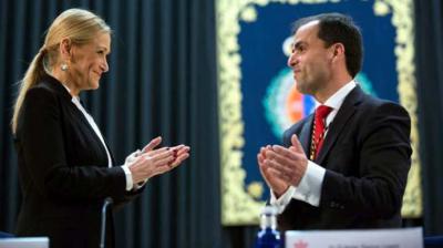 Cristina Cifuentes en la toma de posesión del rector de la URJC, Javier Ramos