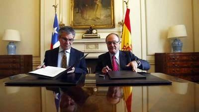 Crisis catalana afectará el crecimiento económico de España afirmó Linde