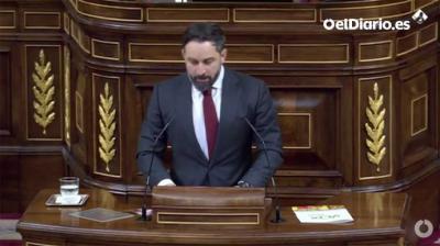 El líder de Vox, Santiago Abascal durante su intervención durante la moción de censura de su partido al gobierno de coalición en el Congreso de los Diputados este miércoles.(captura de pantalla)