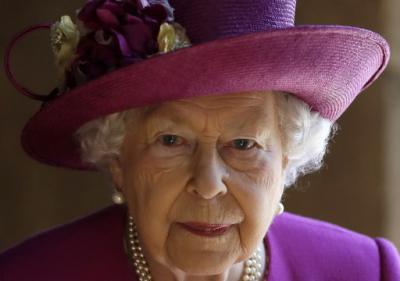 La reina Isabel II celebra su 94º cumpleaños en confinamiento y sin pompa