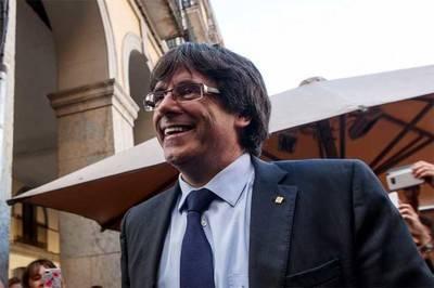 Carles Puigdemont celebró el triunfo independentista en las urnas.