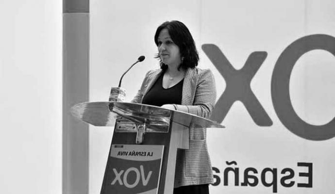 Una diputada de Vox en Andalucía denuncia al partido por espiarla y abandona la formación de Abascal