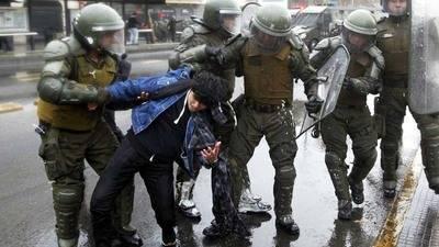 Al menos 50 detenidos en marchas en Chile por educación gratuita