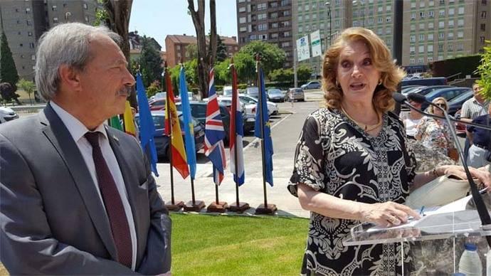 El Ayuntamiento de Oviedo homenajeó al fallecido Armando Álvarez